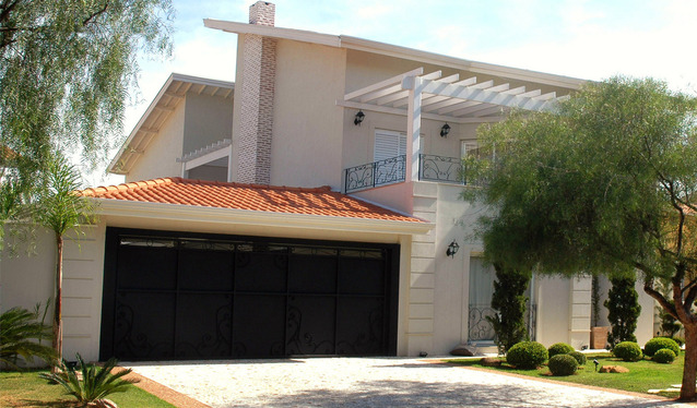 rodinný dům s velkou garáží